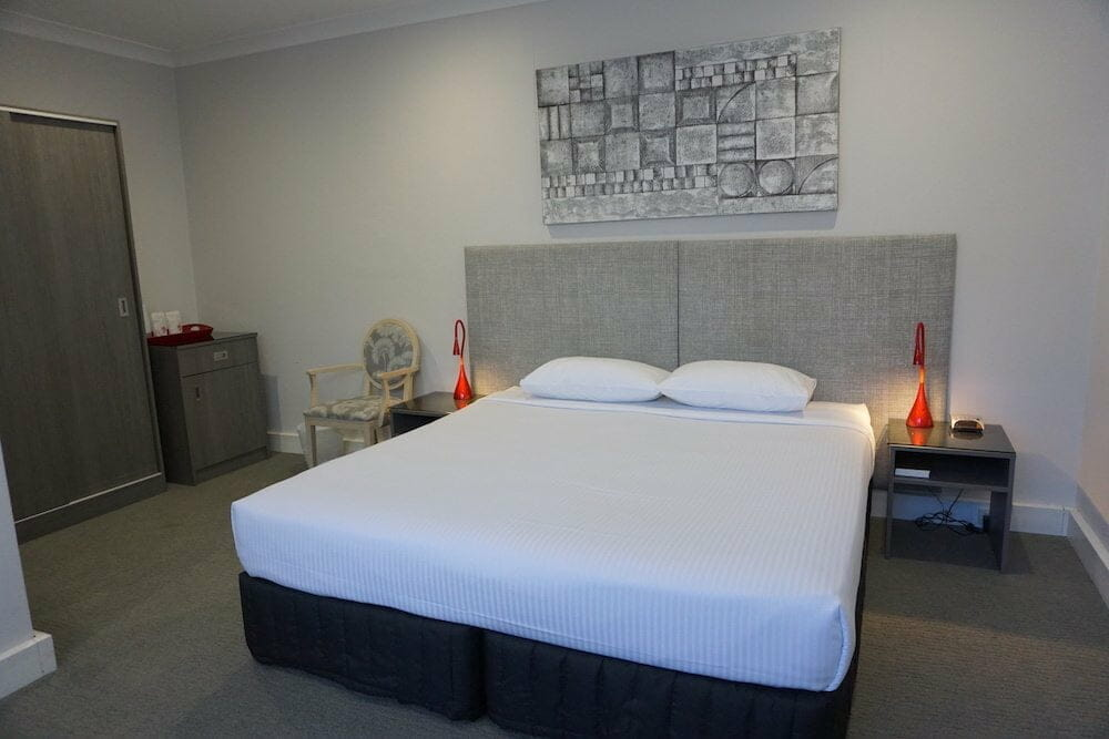 The Retreat Suite - Double Bay Accommodation Sydney - The Savoy Hotel
